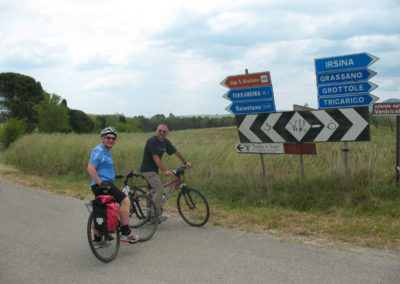 lake-and-crypt-cycling-daily-tour