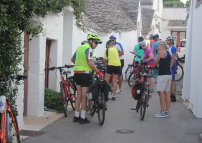 unesco-sites-cycling-in-puglia-bikers-among-trulli