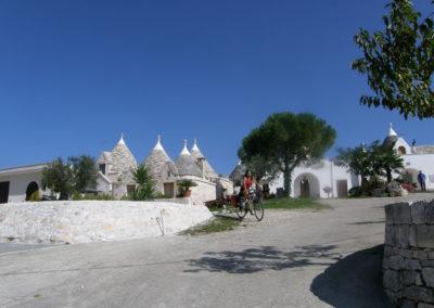 unesco-sites-cycling-in-puglia-trulli-1