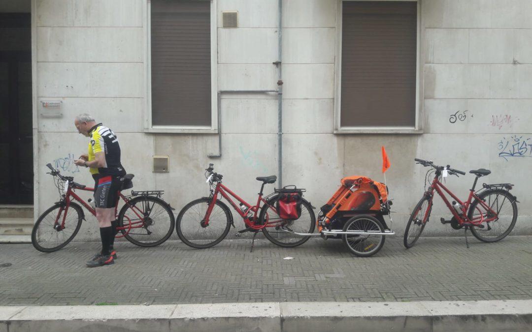 An active Dutch family cycling around Basilicata
